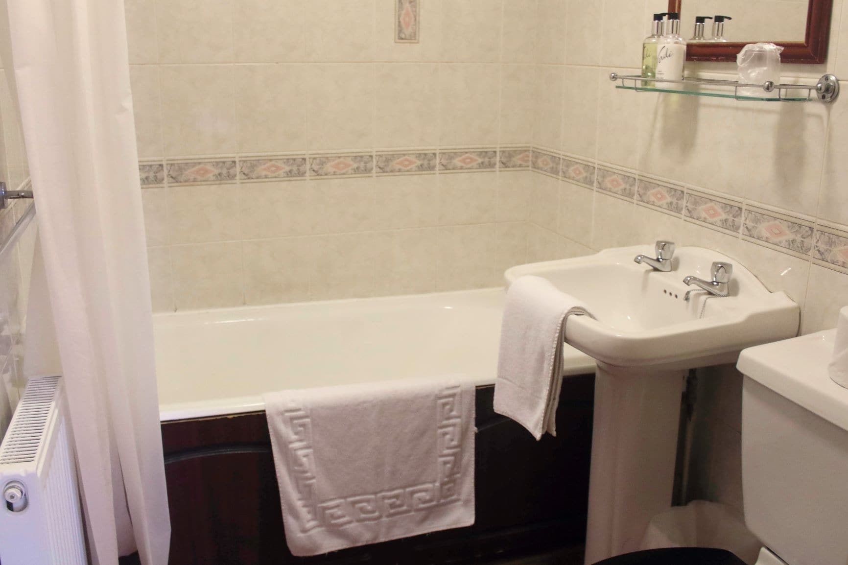 hotel room bathroom