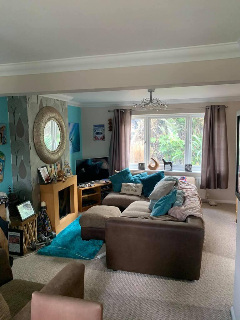 living area decorating