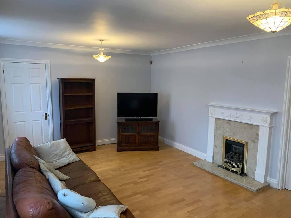 lounge decorator