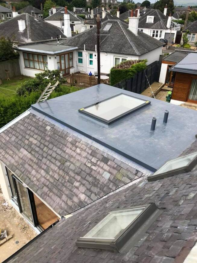 Flat roofing with tiled roof